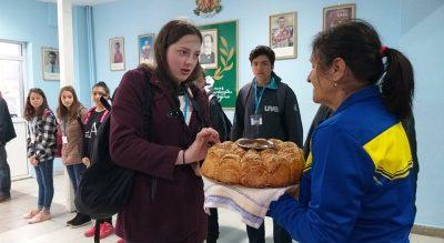 """СУ """"Г. Ст. Раковски"""" посрещна ученици от 4 държави по проект """"Умно училище за умни подрастващи"""""""